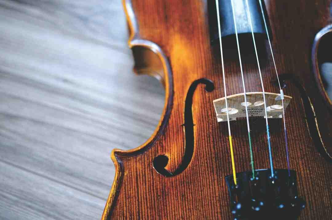 Comment dessiner un violon