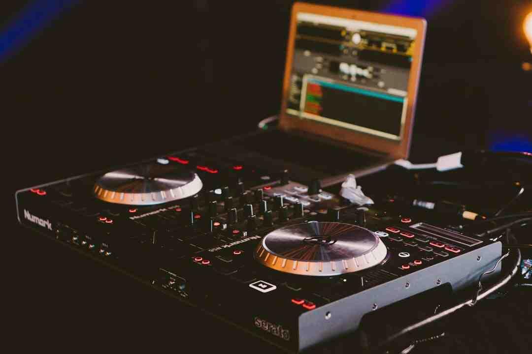 Comment devenir DJ