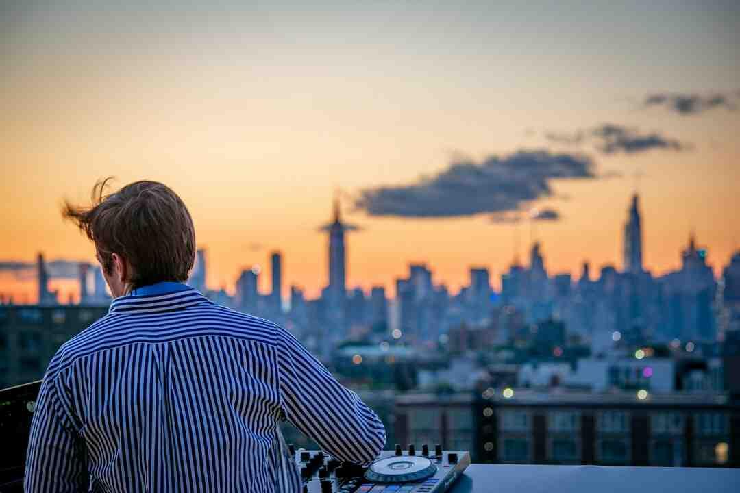 Comment devenir un DJ amateur ?