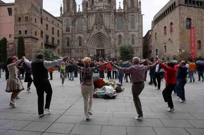 Danse : Sardane Comment apprendre à danser